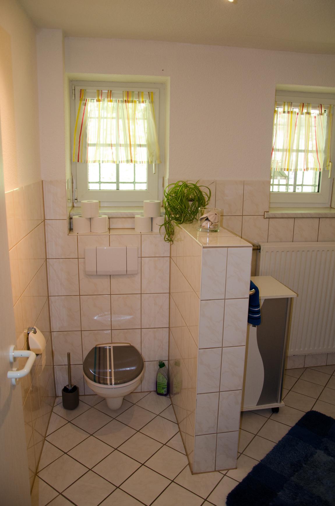 Wohnung 2 eg ferienhaus l tsche for Modern eingerichtete wohnzimmer